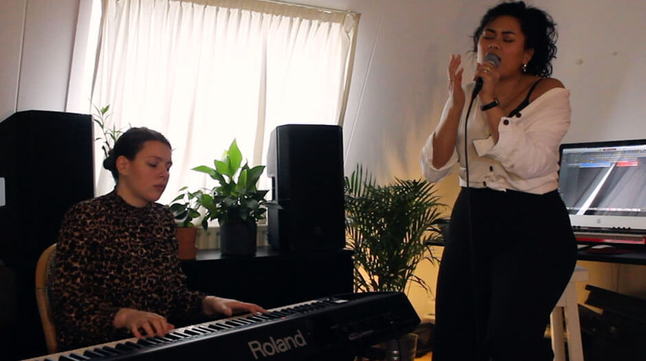 Wynonna-Stoove-en-Deborah-Slijkhuis-op-het-red-Light-Jazz-2019-festival-page