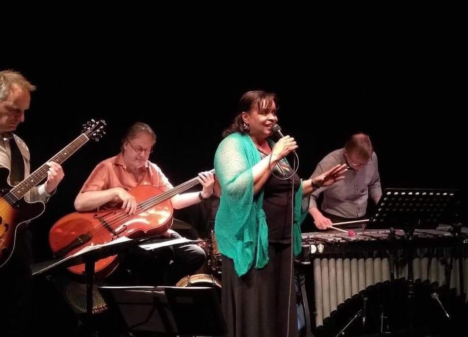 ZANDSCAPE-ft.-DEBORAH-CARTER-op-het-Red-Light-Jazz-page